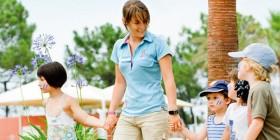 Encadrement des activit�s touristiques et de loisirs : guide des �coles et formations