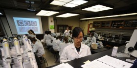 Biologie : guide des �coles et formations